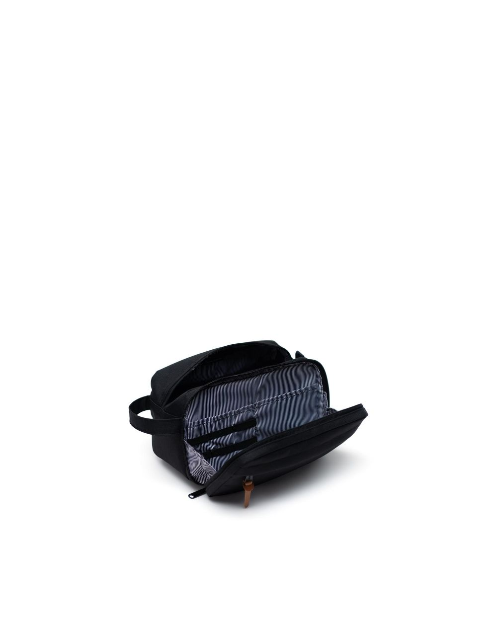 Chapter travel kit XL opening and in black